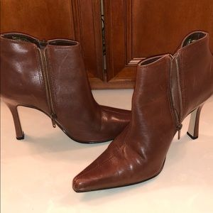 Shoes - Bruno Valenti brown booties